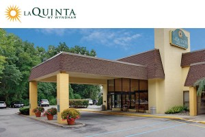 La Quinta Inn and Suites Armonk Westchester County Airport
